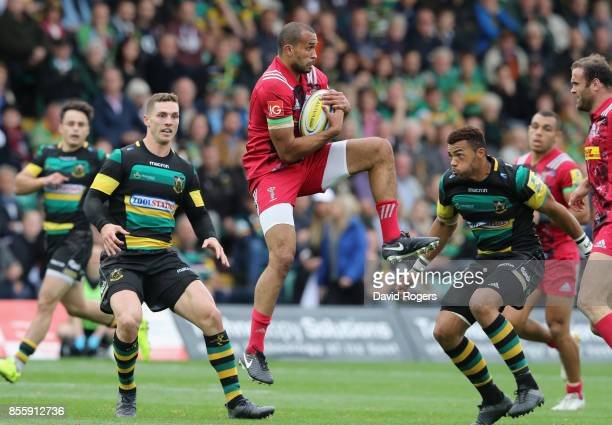 Aaron Morris of Harlequins catches the ball during the Aviva Premiership match between Northampton Saints and Harlequins at Franklin's Gardens on...
