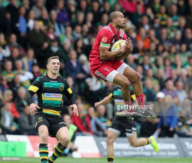 Aaron Morris of Harlequins catches the high ball during the Aviva Premiership match between Northampton Saints and Harlequins at Franklin's Gardens...