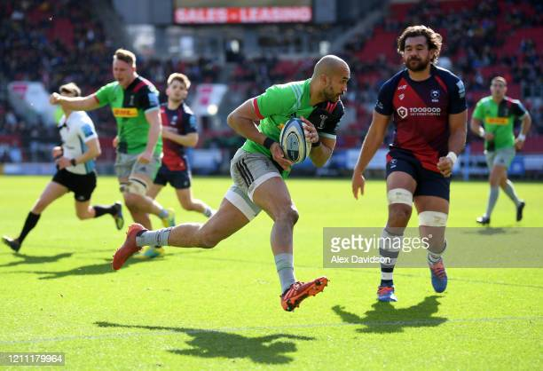 Aaron Morris of Harlequins scores his sides first try during the Gallagher Premiership Rugby match between Bristol Bears and Harlequins at on March...