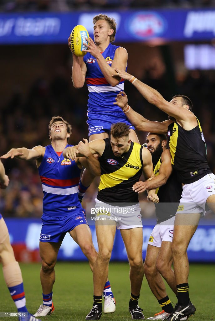 AFL Rd 7 - Western Bulldogs v Richmond : News Photo