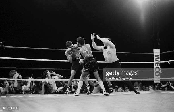 Aaron Pryor lands a punch against Alexis Arguello during the bout at the Orange Bowl on November 12 1982 in Miami Florida Aaron Pryor won the WBA...