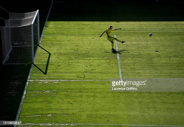Aaron Ramsdale of Sheffield United kicks up field during the Premier League match between Leeds United and Sheffield United at Elland Road on April...