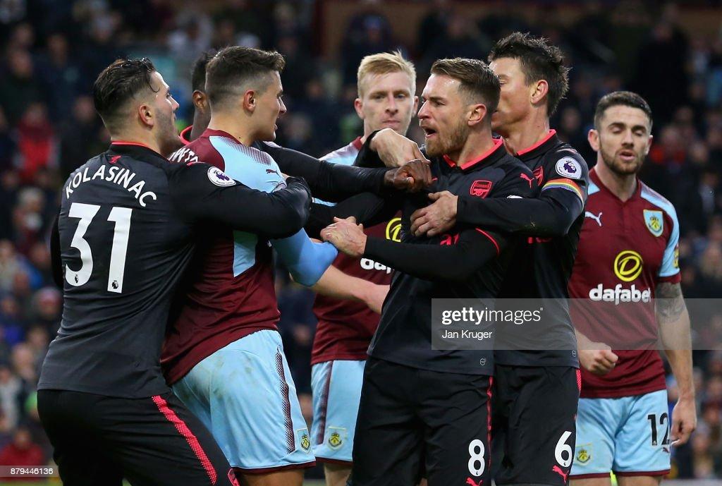 Burnley v Arsenal - Premier League : News Photo