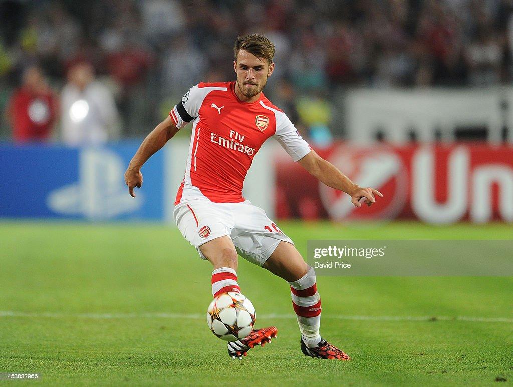 Besiktas JK v Arsenal FC - UEFA Champions League Qualifying Play-Offs Round: First Leg : News Photo