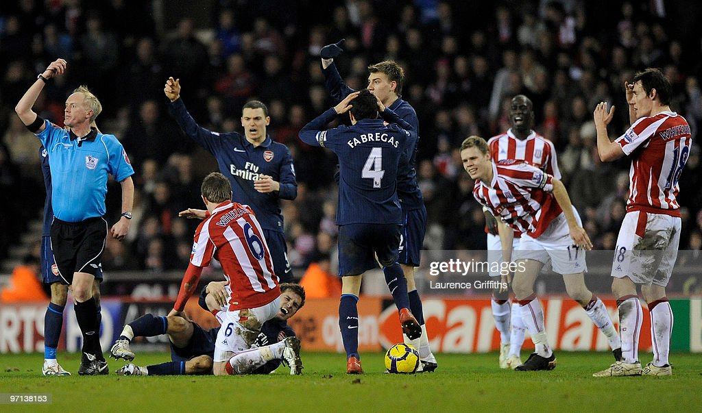 Stoke City v Arsenal - Premier League : News Photo