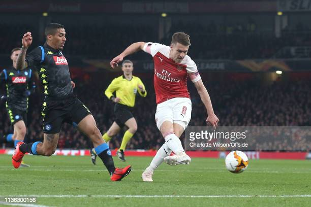 Aaron Ramsey of Arsenal scores the opening goal during the UEFA Europa League Quarter Final First Leg match between Arsenal and SSC Napoli at...