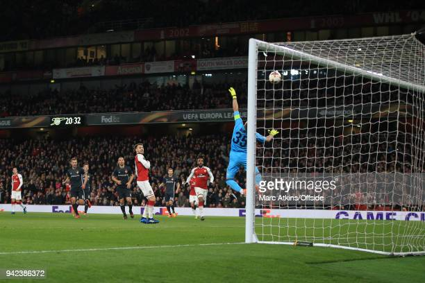 Aaron Ramsey of Arsenal scores their 3rd goal during the UEFA Europa League quarter final leg one match between Arsenal FC and CSKA Moskva at...