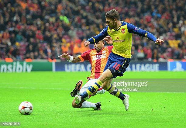 Aaron Ramsey of Arsenal scores their second goal during the UEFA Champions League Group D match between Galatasaray AS and Arsenal FC at Ali Sami Yen...