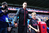 huddersfield england aaron ramsey arsenal walks