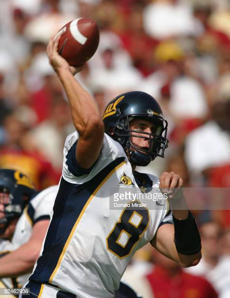Aaron Rodgers of the California Golden Bears passes during the game against the USC Trojans on October 9 2004 at Los Angeles Memorial Coliseum in Los...