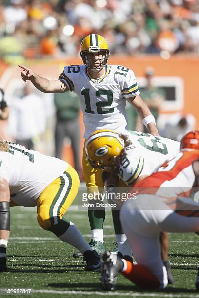 Aaron Rodgers of the Green Bay Packers changes the play at the line of scrimmage during the game against the Cincinnati Bengals at Paul Brown Stadium...