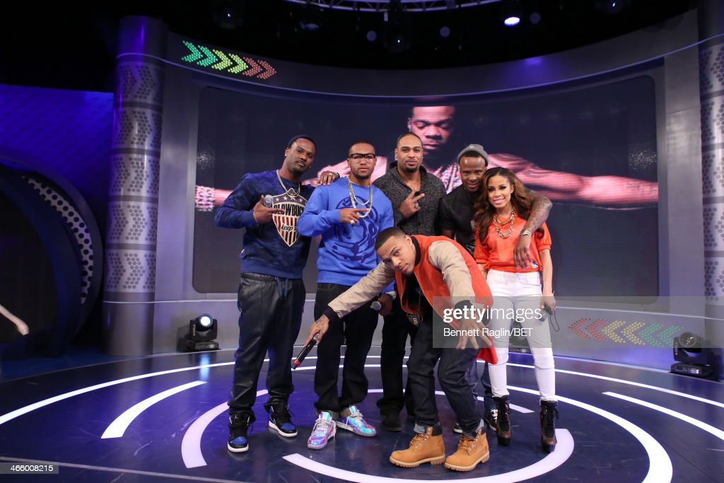 Aaron Ross, DeSean Jackson, Bow Wow, Raheem Brock, Keshia Chante,and Ike Taylor attend 106 & Park at BET studio on January 30, 2014 in New York City.