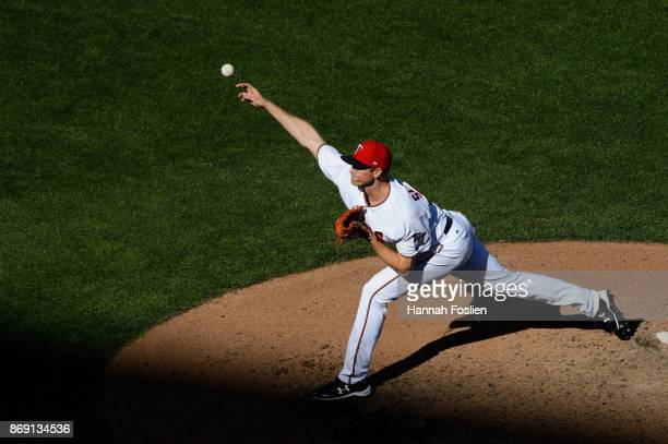 Aaron Slegers of the Minnesota Twins delivers a pitch against the Toronto Blue Jays during the game on September 17 2017 at Target Field in...