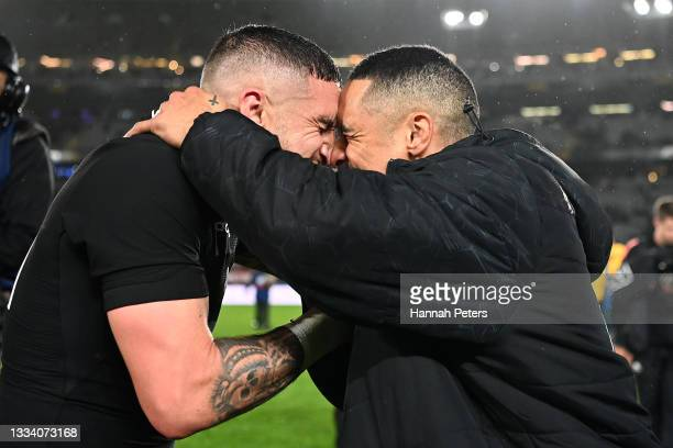 Aaron Smith and TJ Perenara of the All Blacks hongi following The Rugby Championship and Bledisloe Cup match between the New Zealand All Blacks and...