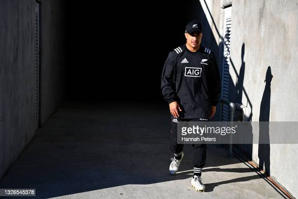 Aaron Smith arrives for a New Zealand All Blacks captain's run at Mount Smart Stadium on July 02, 2021 in Auckland, New Zealand.