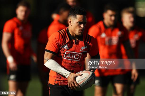 Aaron Smith of the All Blacks passes the ball during a New Zealand All Blacks training session at North Sydney Oval on August 17 2017 in Sydney...