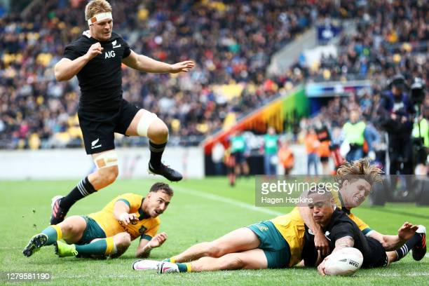 Aaron Smith of the All Blacks scores a try during the Bledisloe Cup match between the New Zealand All Blacks and the Australian Wallabies at Sky...