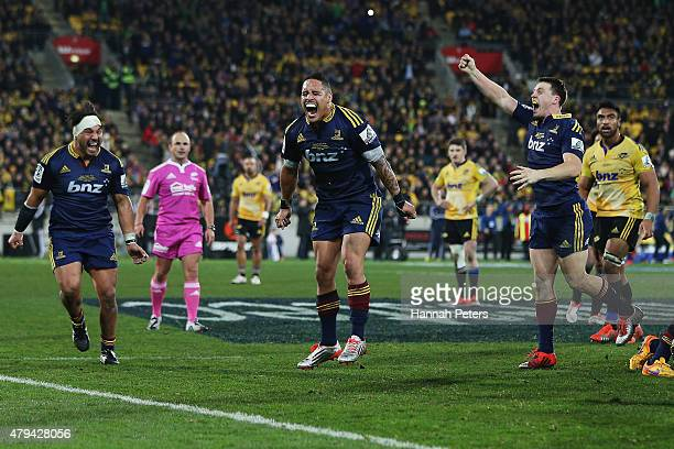 Aaron Smith of the Highlanders celebrates after winning the Super Rugby Final match between the Hurricanes and the Highlanders at Westpac Stadium on...