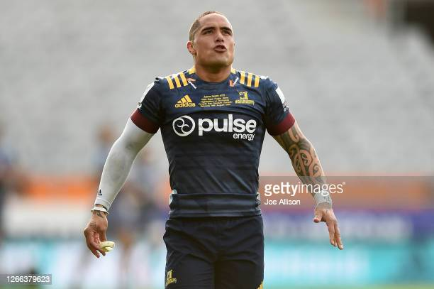 Aaron Smith of the Highlanders looks on during the round 10 Super Rugby Aotearoa match between the Highlanders and the Hurricanes at Forsyth Barr...
