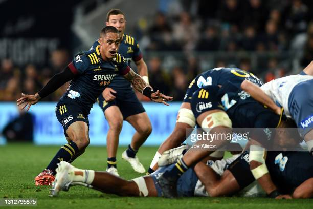 Aaron Smith of the Highlanders looks on during the round eight Super Rugby Aotearoa match between the Highlanders and the Blues at Forsyth Barr...