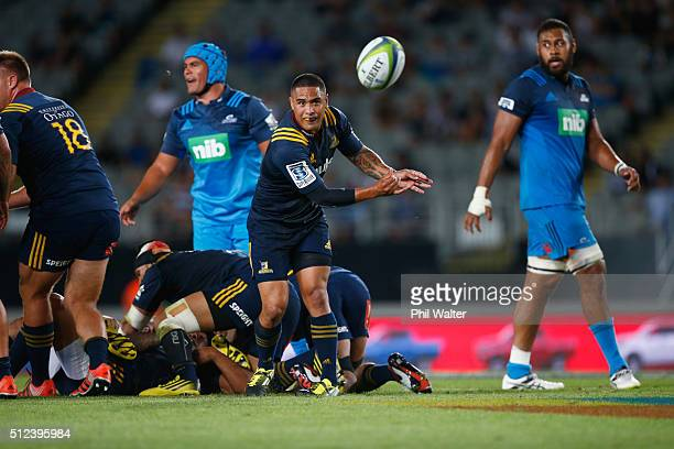 Aaron Smith of the Highlanders passes during the round one Super Rugby match between the Blues and the Highlanders at Eden Park on February 26 2016...