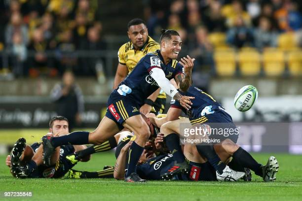 Aaron Smith of the Highlanders passes during the round six Super Rugby match between the Hurricanes and the Highlanders at Westpac Stadium on March...