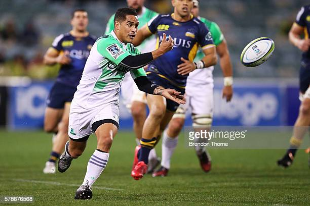 Aaron Smith of the Highlanders passes the ball during the Super Rugby Quarterfinal match between the Brumbies and the Highlanders at GIO Stadium on...