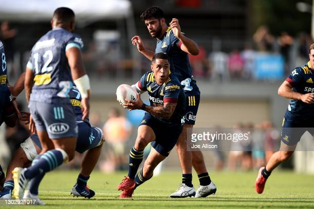 Aaron Smith of the Highlanders runs the ball during the Super Rugby Aotearoa pre-season match between the Highlanders and the Hurricanes at Molyneux...