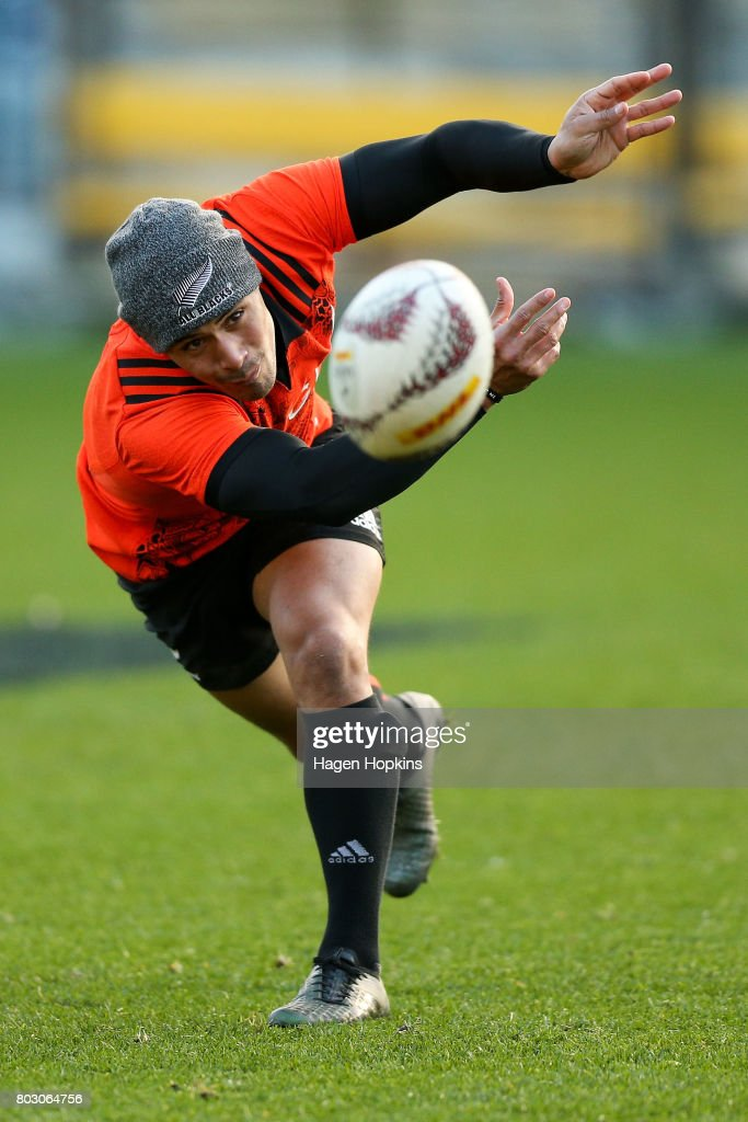Aaron Smith passes during a New Zealand All Blacks training session at Westpac Stadium on June 29, 2017 in Wellington, New Zealand.