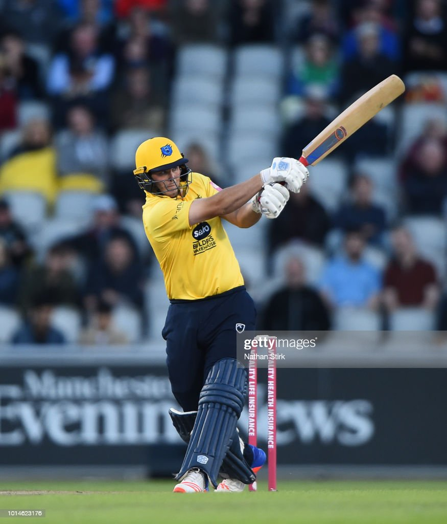 Aaron Thomason of Warwickshire batting during the Vitality Blast match between Lancashire Lightning and Birmingham Bears at Old Trafford on August 10, 2018 in Manchester, England.