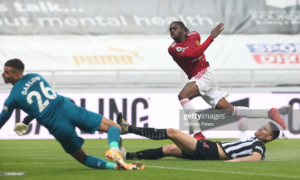 Aaron Wan-Bissaka of Manchester United scores their third goal during...  News Photo - Getty Images