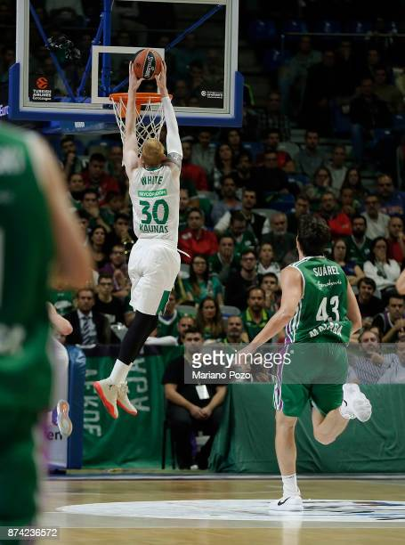Aaron White #30 of Zalgiris Kaunas in action during the 2017/2018 Turkish Airlines EuroLeague Regular Season Round 7 game between Unicaja Malaga and...