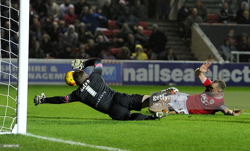 Aaron Wilbraham of Bristol City(R) scores his sides first goal during the Sky Bet Championship match between Bristol City and Queens Park Rangers at Ashton Gate on December 19, 2015 in Bristol, England.