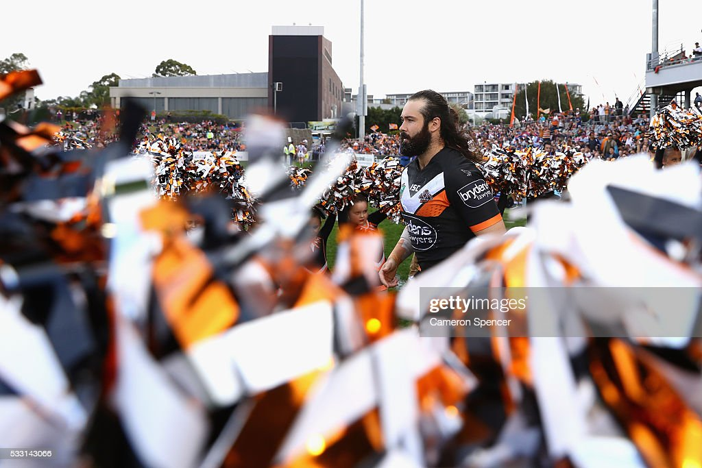 Aaron Woods of the Tigers runs onto the field during the round 11 NRL match between the Wests Tigers and the Newcastle Knights at Campbelltown Sports Stadium on May 21, 2016 in Sydney, Australia.