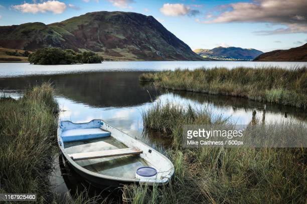 abandoned boat - mike caithness stock pictures, royalty-free photos & images
