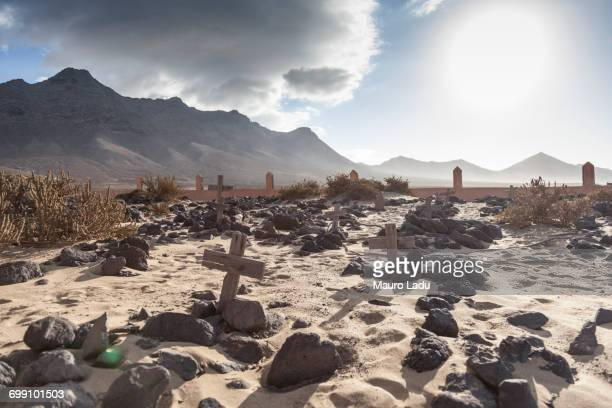 abandoned cemetery in the desert in cofete beach, south fuerteventura. canary islands - place of burial stock pictures, royalty-free photos & images