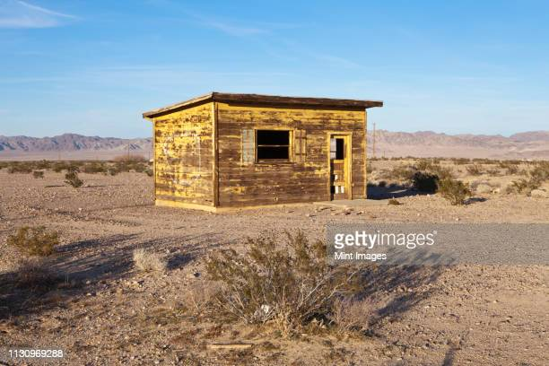 abandoned desert home - shack stock pictures, royalty-free photos & images