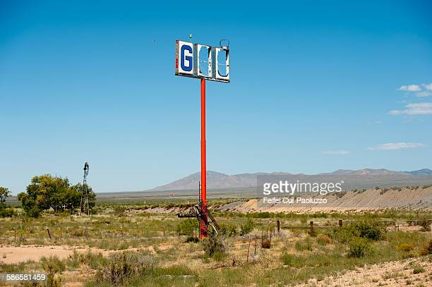 abandoned gas station near lordsburg new mexico - american style windmill stock pictures, royalty-free photos & images