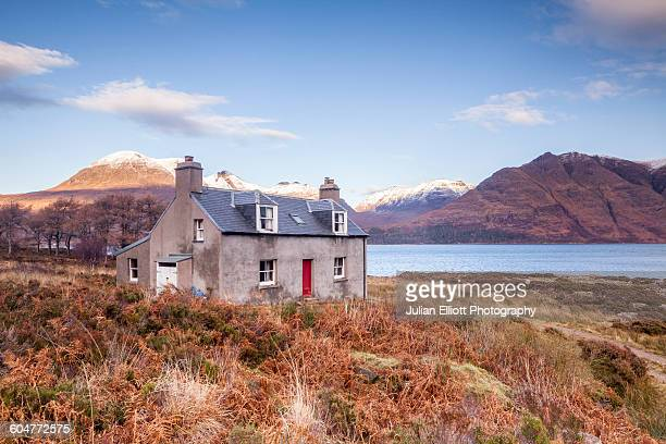 abandoned house, banks of upper loch torridon. - wester ross stock pictures, royalty-free photos & images