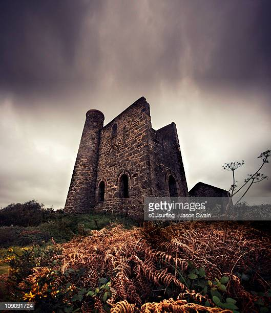 abandoned in cornwall. bad dreams in the night. - s0ulsurfing stock pictures, royalty-free photos & images