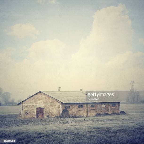 abandoned italian farm. vintage style - bad condition stock photos and pictures
