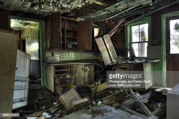 abandoned kitchen - rotten com stock pictures, royalty-free photos & images