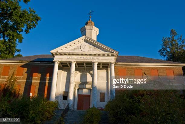 abandoned mental institution building - psychiatric hospital stock pictures, royalty-free photos & images