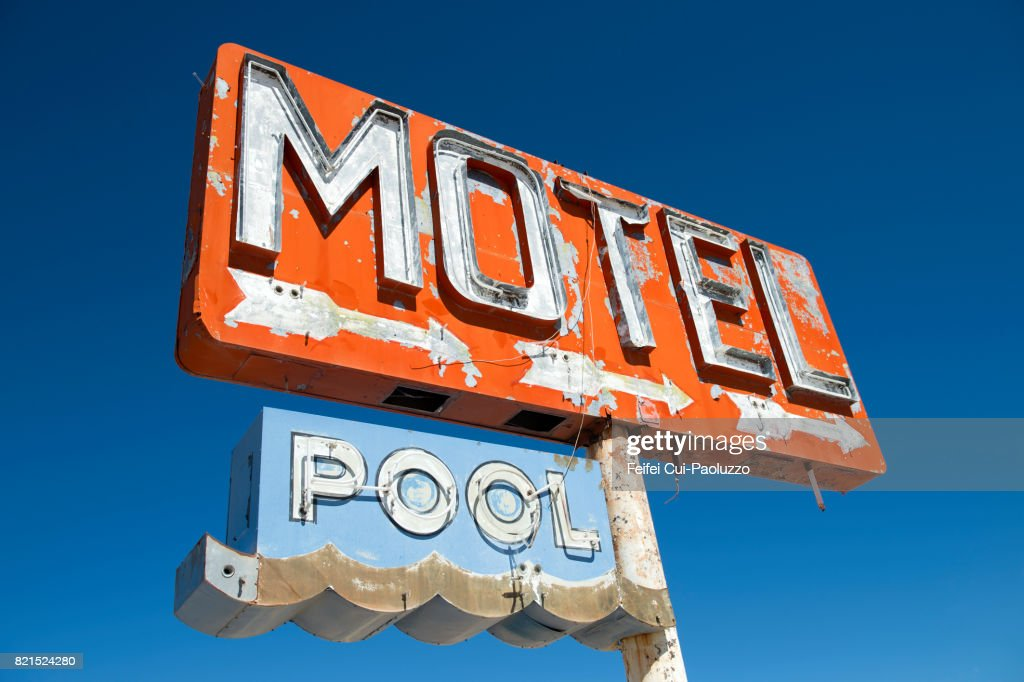Abandoned Motel Sign At Yucca Mohave County Arizona State Usa Foto De Stock Getty Images