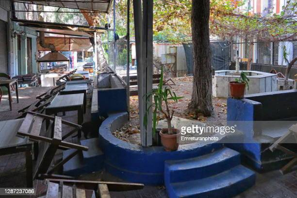 abandoned outdoor cafes in kemeralti,izmir. - emreturanphoto stock pictures, royalty-free photos & images