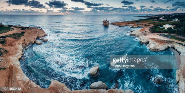 abandoned ship edro iii near cyprus beach. view from drone. - パフォス ストックフォトと画像