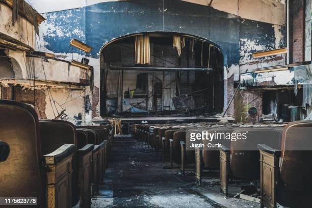 abandoned theater - ausência imagens e fotografias de stock