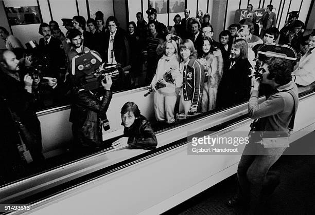 Abba arrive at Schiphol Airport before performing on the Dutch TV programme 'Een Van De Acht' on November 23 1976 LR Agnetha Faltskog Bjorn Ulvaeus...