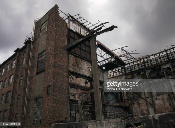 abbandoned ruined factory in a industrial zone in eastern europe - abandoned stock pictures, royalty-free photos & images