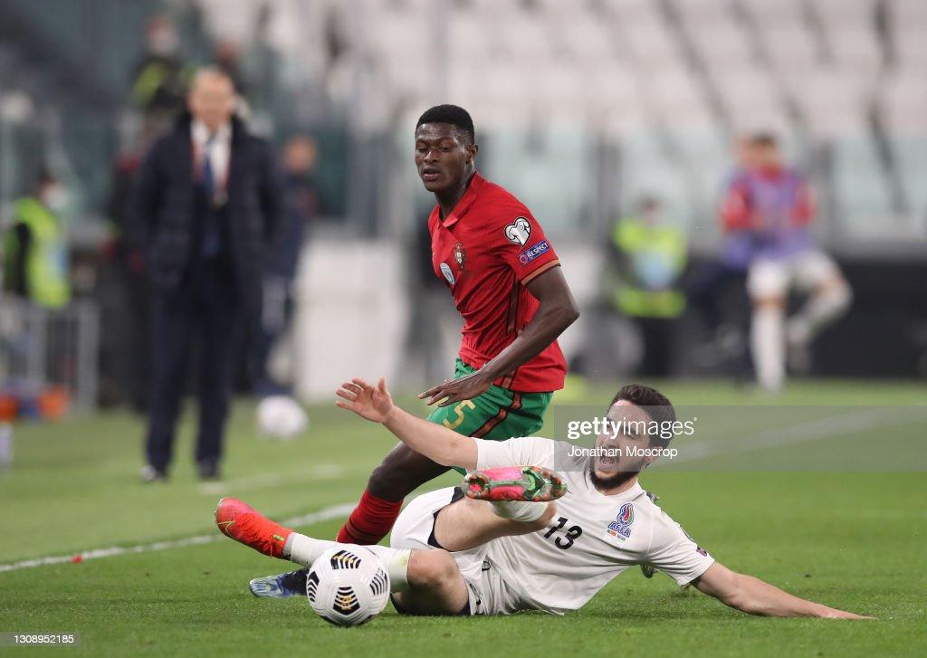 Portugal v Azerbaijan - FIFA World Cup 2022 Qatar Qualifier : Photo d'actualité